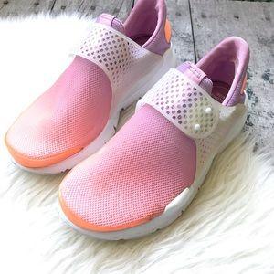 Nike women's shoes sz 6